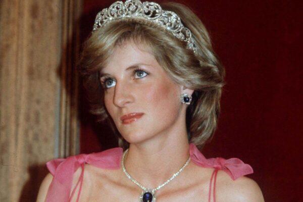 Скандалы, которые были в королевской семье до принца Гарри и Меган Маркл