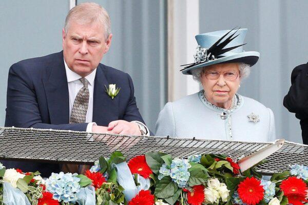 Королева Елизавета II «нанесла ущерб имиджу, позволив принцу Эндрю скрыться»