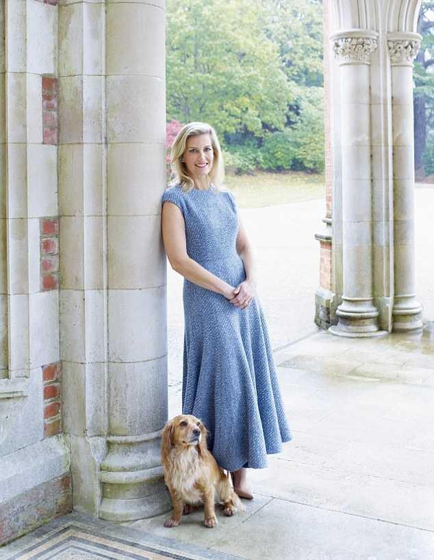 Софи, графиня Уэссекская - самая элегантная принцесса отмечает 56-й день рождения