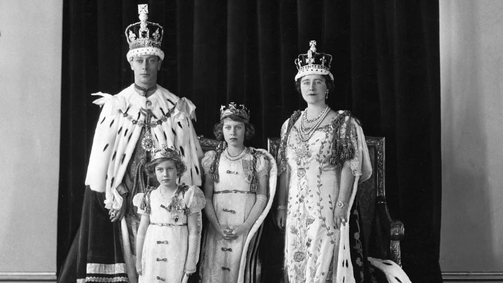 """Почему отец королевы Елизаветы II назвал себя """"королем Георгом"""" вместо """"короля Альберта""""?"""