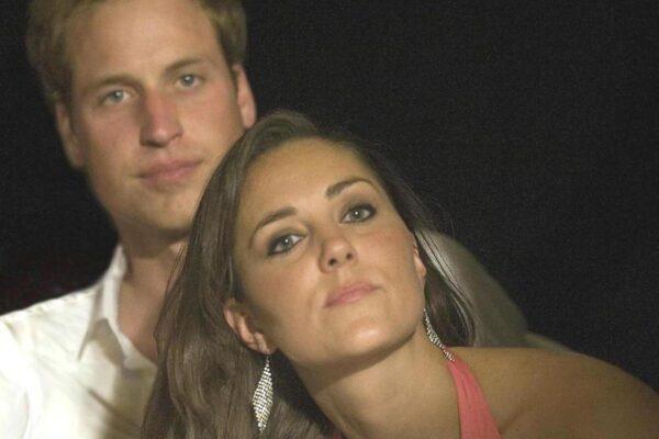 Принц Уильям «проявлял явное внимание к Кейт» всякий раз, когда они оказывались в одной комнате в университете