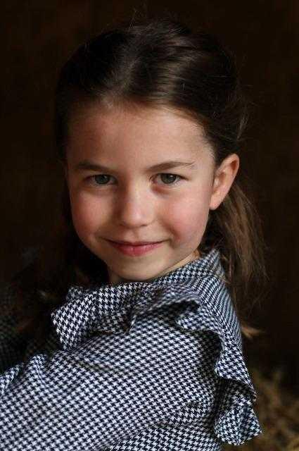 Принцесса Шарлотта может получить новый титул от отца
