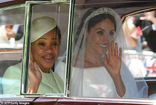 Вся в маму: что королевской семье стоило знать о Дории Рэгланд до свадьбы принца Гарри и Меган