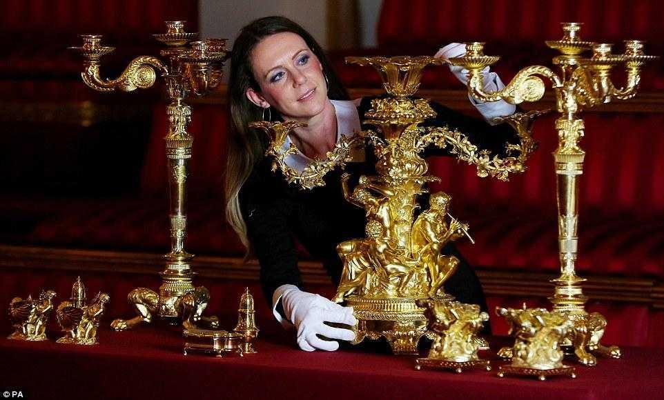 Почему горничным королевы Елизаветы II запрещено пользоваться пылесосом