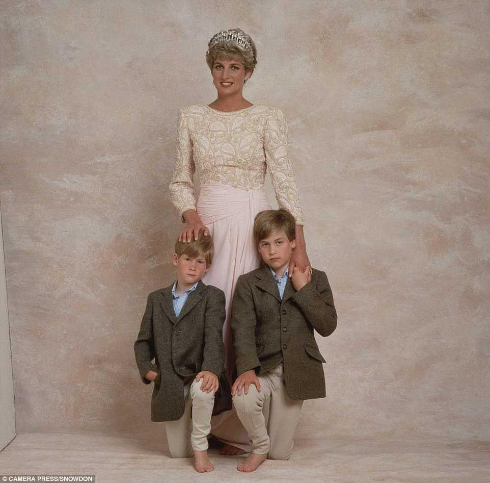 Принцы Уильям и Гарри о Диане: Мама душила нас своей любовью