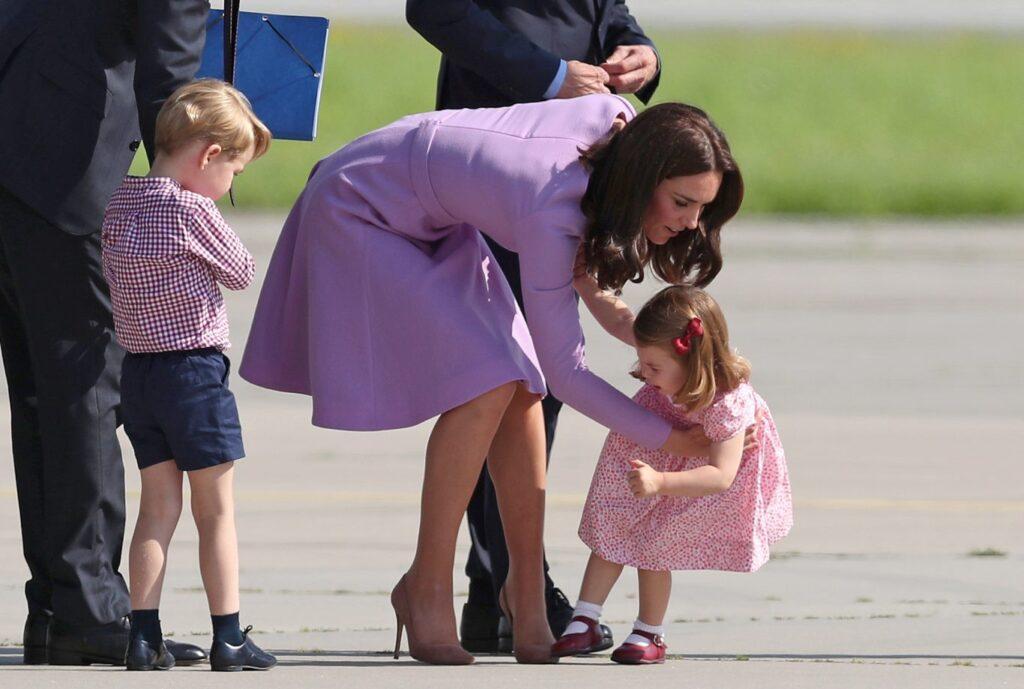 Кейт Миддлтон и принц Уильям - счастливые родители троих детей.