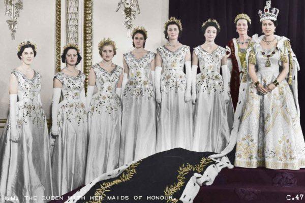 Неужели фрейлины королевы Елизаветы – это всего лишь горничные с титулом?