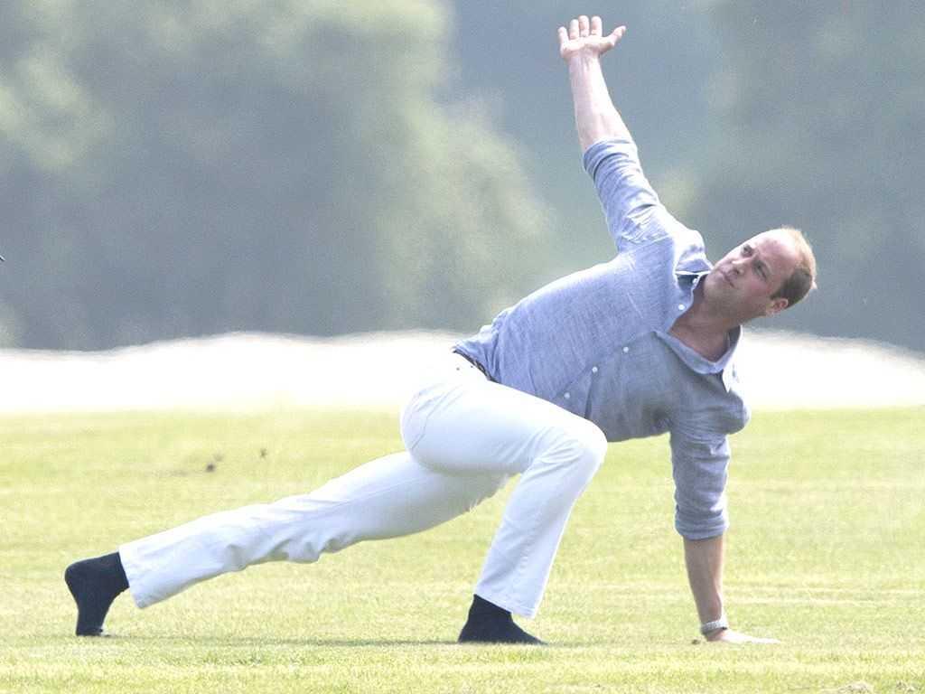Принц Уильям продемонстрировал мастерство йога