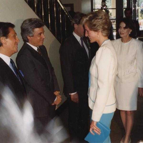 Архивные фотографии принцессы Дианы, которыми поделился соучредитель Дома Valentino