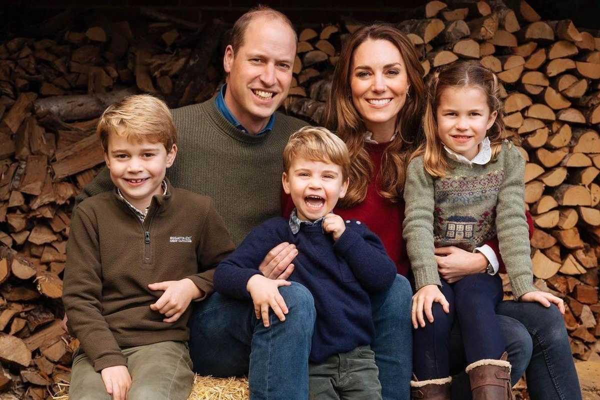 Принц Джордж и принцесса Шарлотта сорились из-за домашнего обучения