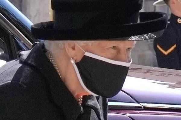 Королева встала на сторону принца Уильяма в споре с братом