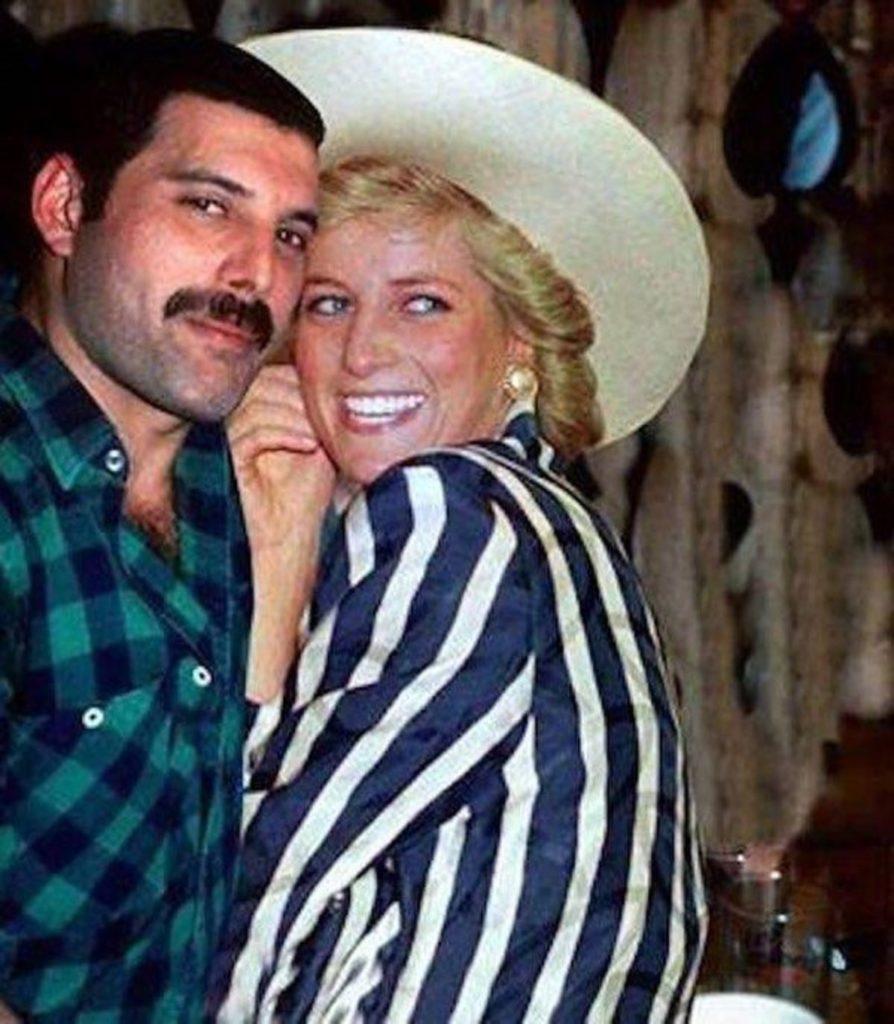 Принцесса Диана и Фредди Меркьюри: дружба, ночной побег из дворца, веселье в Royal Vauxhall Tavern