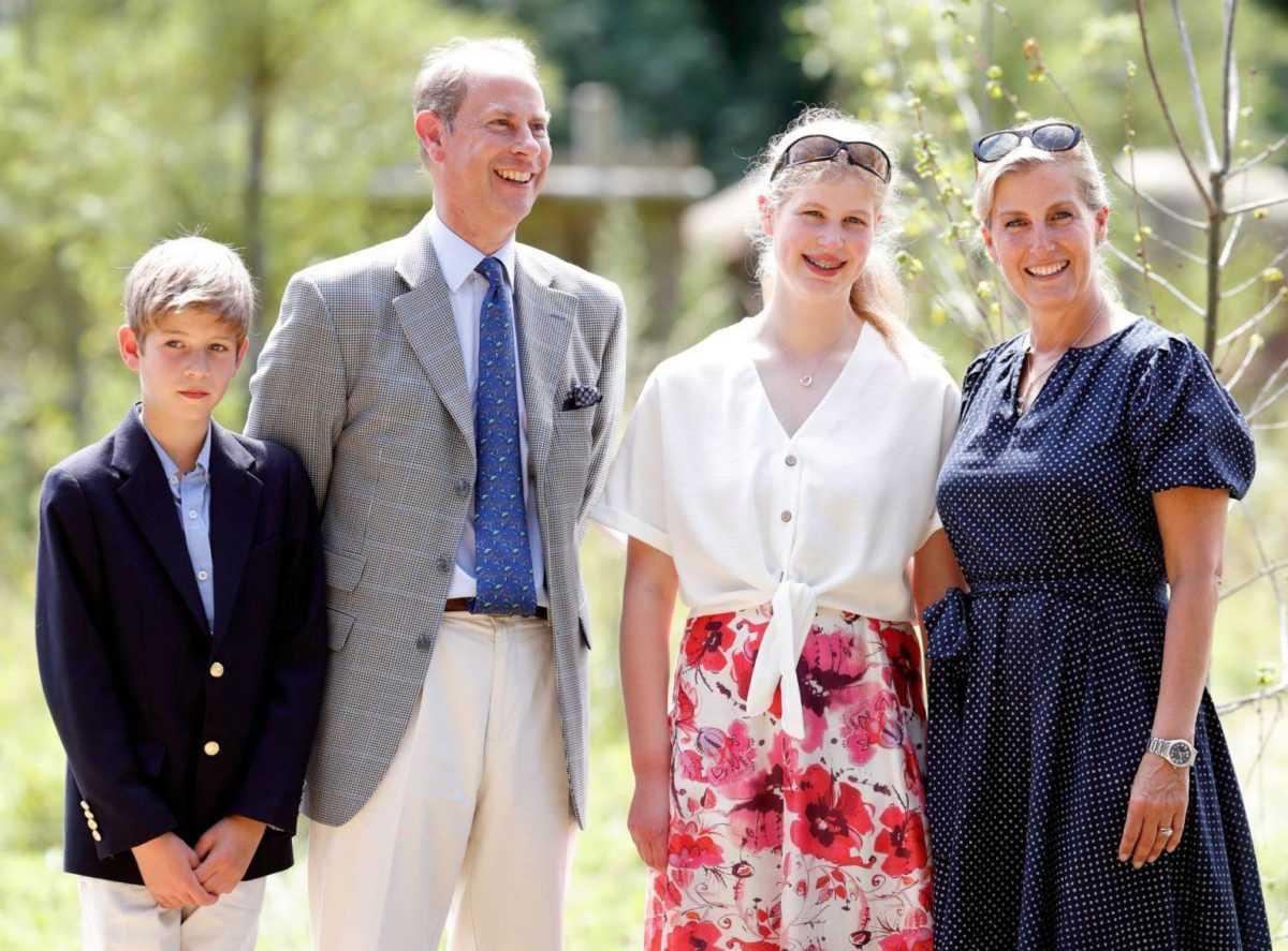 Сложности, которые начались у принца Эдварда и Софи, после того как ушли принц Гарри и Меган