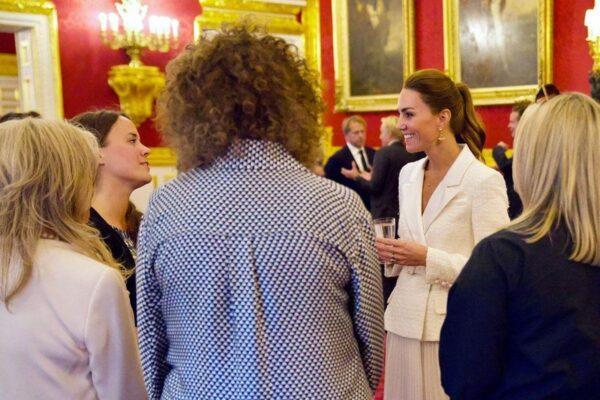 Все о новом платье Кейт Миддлтон и почему оно так привлекло журналистов