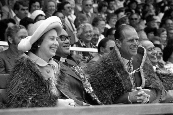 Те три человека, которым полностью доверяла королева Елизавета, уже умерли