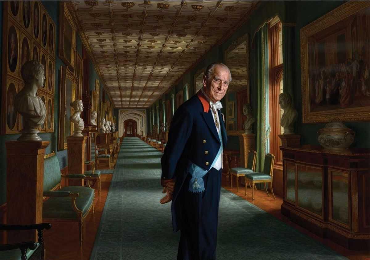 Принц Филипп проводит четвертые выходные в больнице